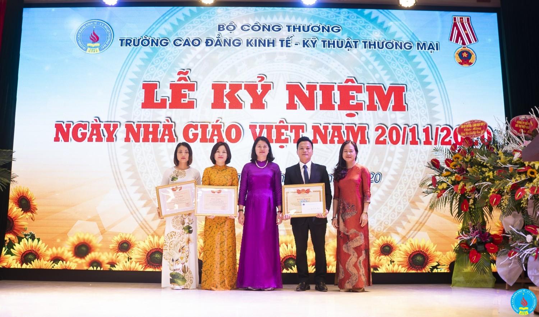 Trao tang bang ken 20 11 2020 (6)