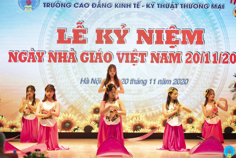 van nghe chao mung 20 11 2020 (3)